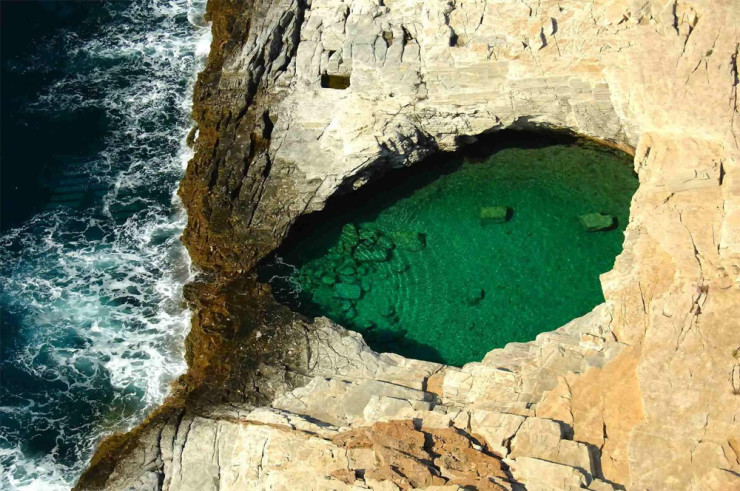 25Top-Natural-Pools-Giola2-740x491