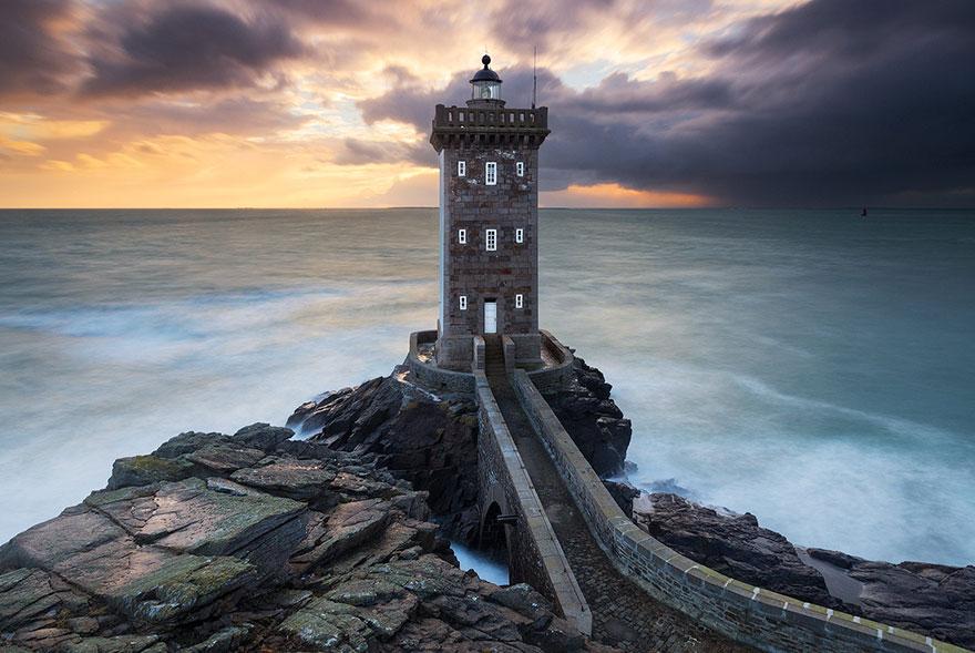 amazing-lighthouse-landscape-mmagazin19