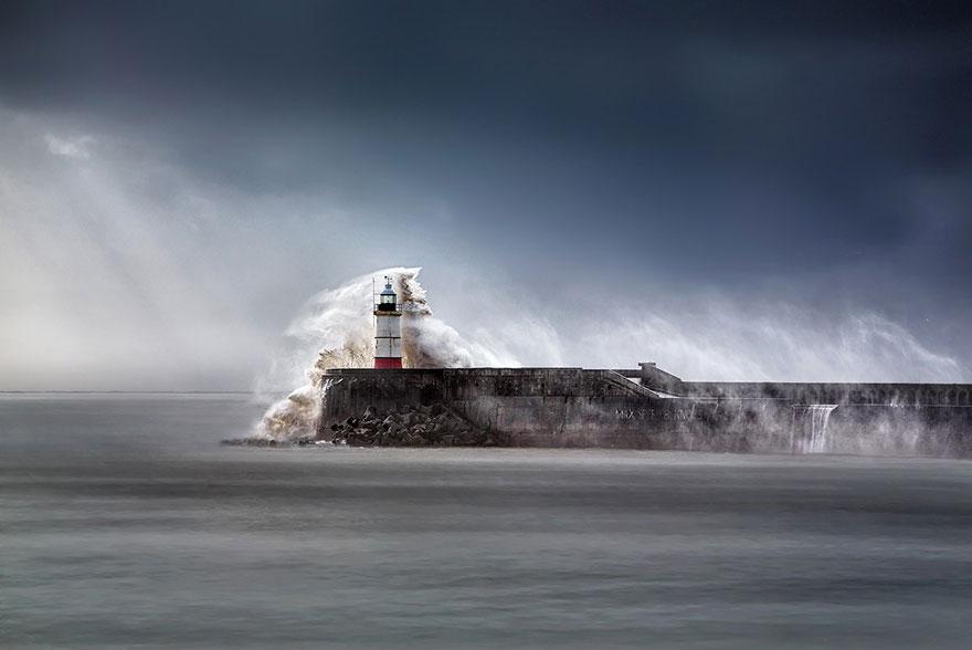 amazing-lighthouse-landscape-mmagazin20