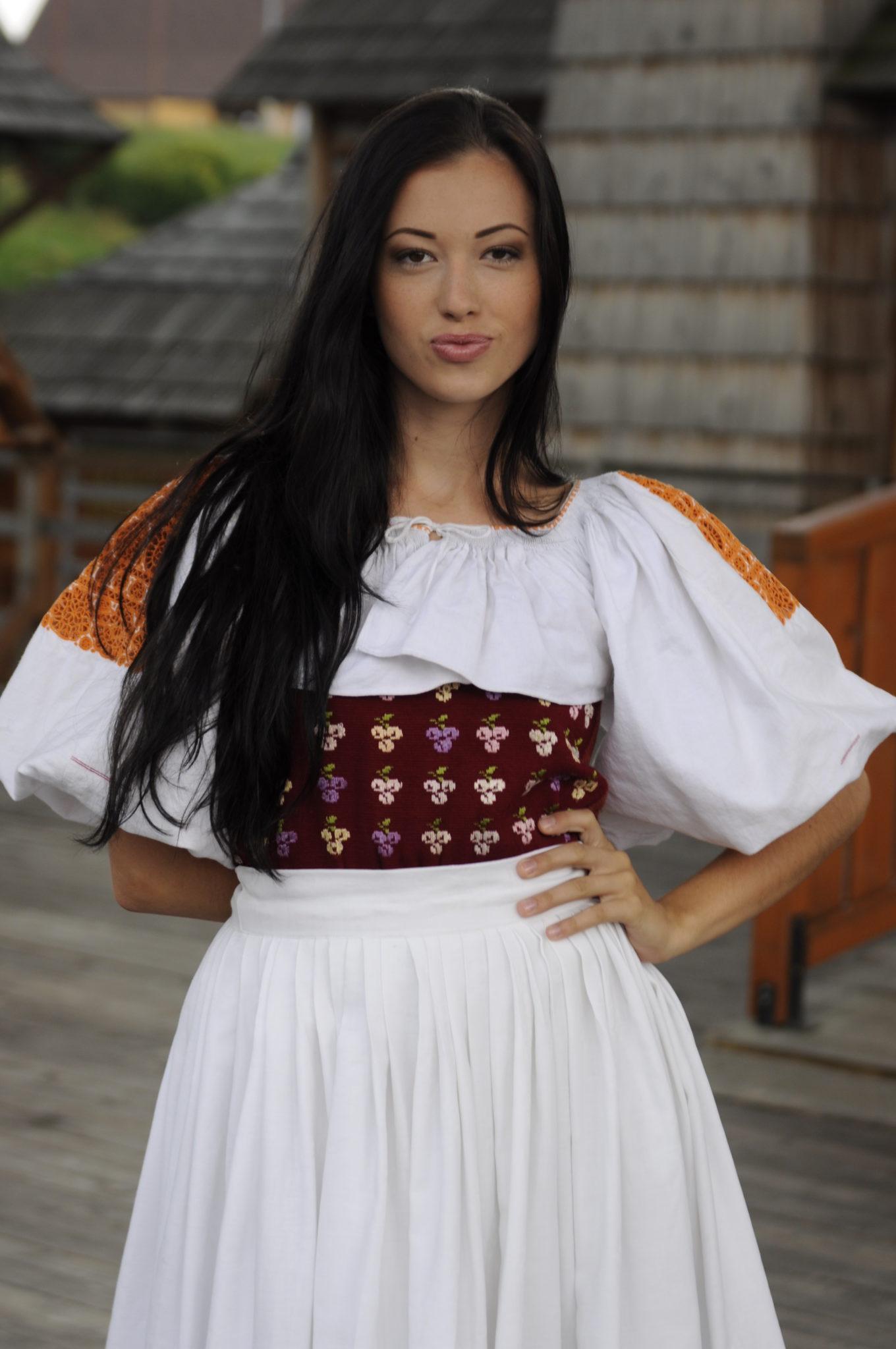 miss_folklor_2015_vychodna_mmagazin4