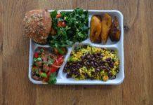 Čo jedávajú deti z rôznych kútov sveta v školských jedálňach? 10