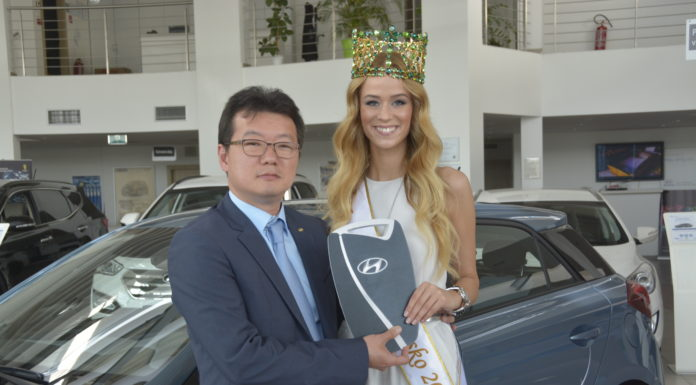 Miss Slovensko je poriadne sexi! Takto si Lujza Straková prevzala svoje auto 1