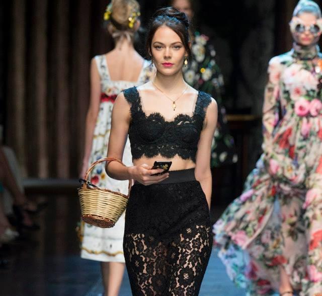 Selfies priamo z prehliadkového móla - Kinga Rajzak žiarila na Fashion Weeku v Miláne pre Dolce & Gabbana + VIDEO 2