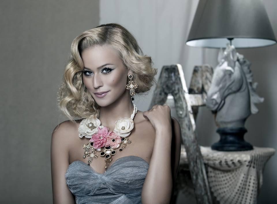 Sexi kráska Miss Slovensko 2015 Lujza Straková v najnovšej kolekcii dizajnérky Viery Futákovej 3