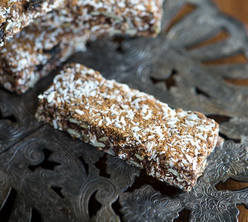 Kakaové energetické raw tyčinky so sušenými čerešňami 2