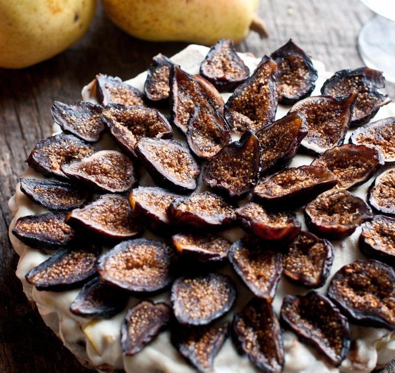 Ovocné raw koláčiky z fíg, zázvoru a hrušiek