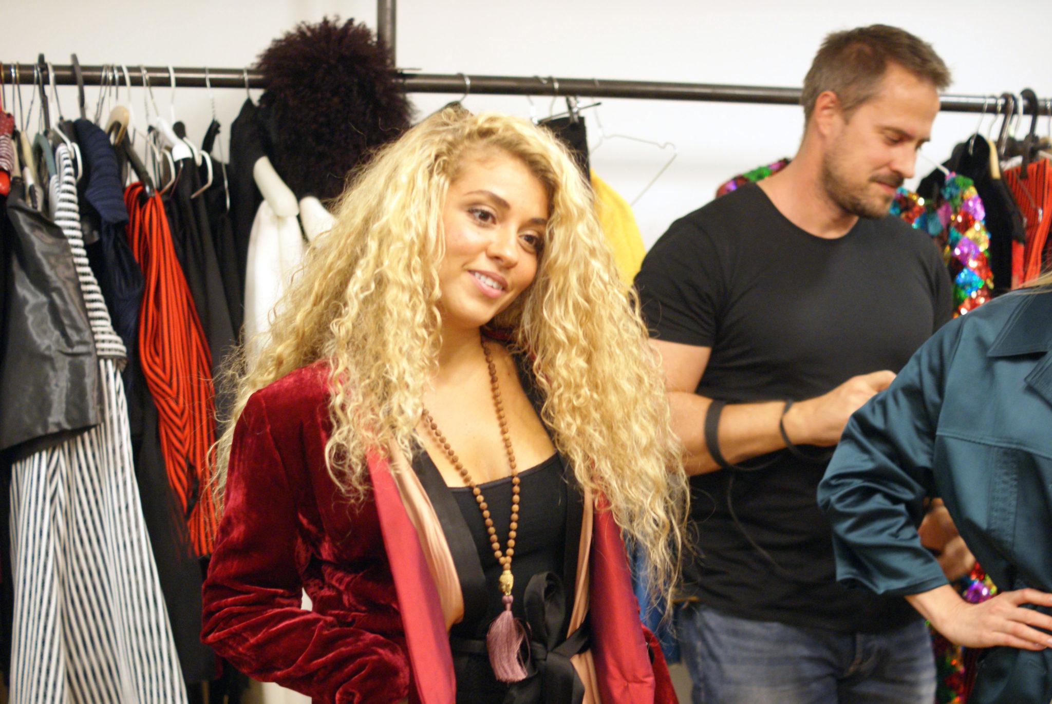 60e3d02be ... či šaty z ich pripravovanej kolekcie. K vyšším finančným darom dostanú  darcovia aj lístky na Fashion LIFE! a možnosť vychutnať si módnu show, ...