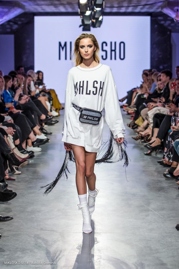 dbbdfab92800 Ateliér MIKLOSKO predstavil na prestížnom módnom podujatí Eurovea Fashion  Forward svoju najnovšiu kolekciu jar leto 2018!!! Ktorá kráska otvorila  túto módnu ...