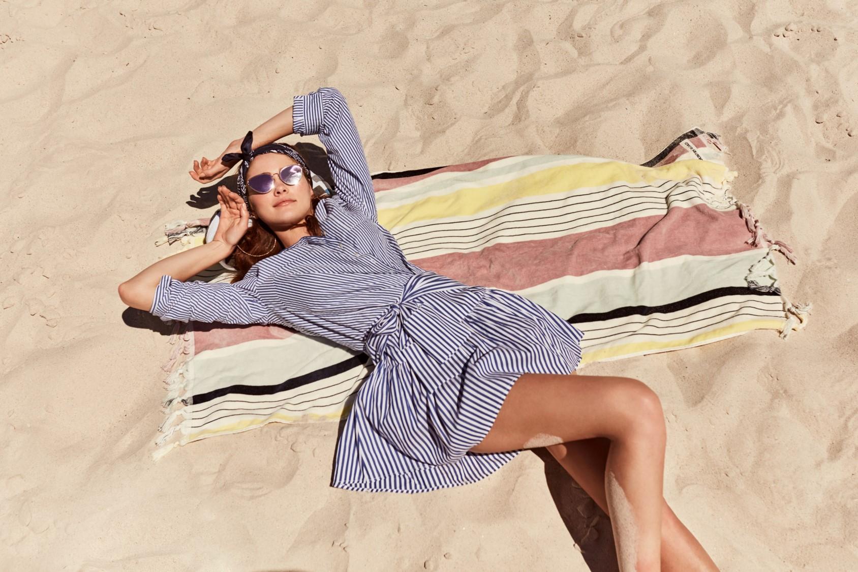 fd1cef9f9e84 Na pláž i do mesta!!! Módna značka Sinsay predstavuje špeciálnu letnú  kolekciu plnú pohody a jemnej elegancie!