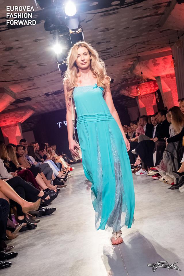 8643981cfd70 Nahliadnite spolu s nami na prehliadkové mólo prestížneho módneho podujatia  Eurovea Fashion Forward a vychutnajte si krásu a eleganciu modelov  talianskej ...