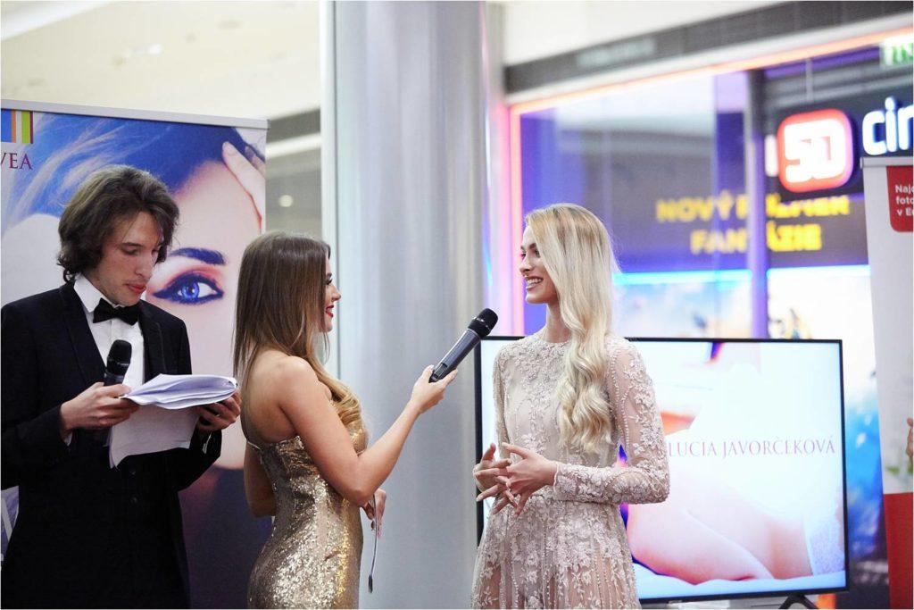 6bee153e6 Súčasťou večera bolo taktiež zahájenie novej kampane na módne podujatie Eurovea  Fashion Forward s najnovšou víťazkou Miss Slovensko Dominikou Grecovou, ...