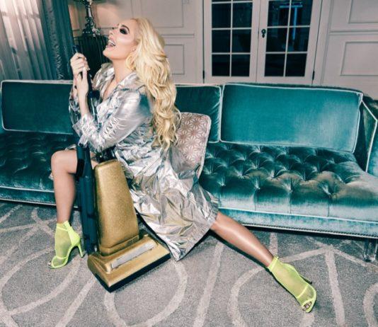 """1c3a9ac36d75 Americká speváčka Erika Jayne ukázala svoje druhé """"ja""""! Takto zahrala  skutočnú paničku z Beverly Hills v najnovšej kampani značky ShoeDazzle +  VIDEO"""