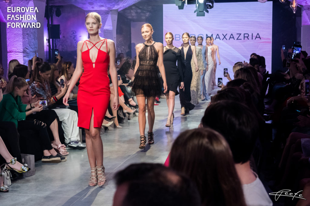 aacd4d6ca ... Eurovea Fashion Forward predvádzať finalistky tohtoročnej Miss  Slovensko. photo: reefe | www.reefe.sk